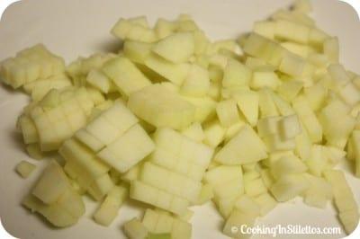 Apple-Cheddar-Chicken-Muffins-Apples