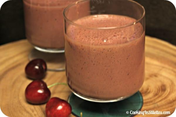 """Chocolate Cherry Smoothie aka Cherry """"Bon Bon"""" Smoothie   Cooking In Stilettos"""