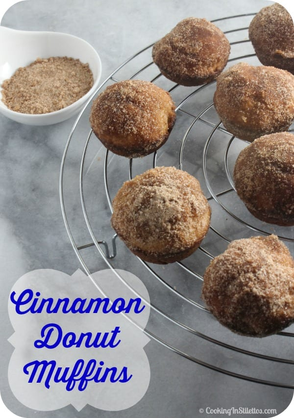 Cinnamon Donut Muffins are a morning favorite. Fluffy muffins flavored with cinnamon & nutmeg with a vanilla cinnamon sugar dusting just like your favorite cinnamon donut! Cinnamon Donut | Doughnut Muffins | Donut Muffins | Muffin Recipes | Cinnamon Sugar Donuts