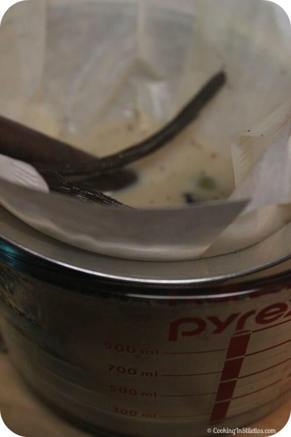 Bourbon Laced Vanilla Chai Latte - Straining the Spices | CookingInStilettos.com