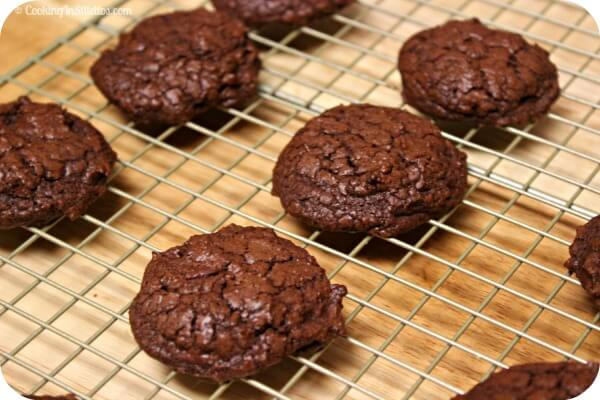 Double Chocolate Espresso Cookies - Cooling | CookingInStilettos.com