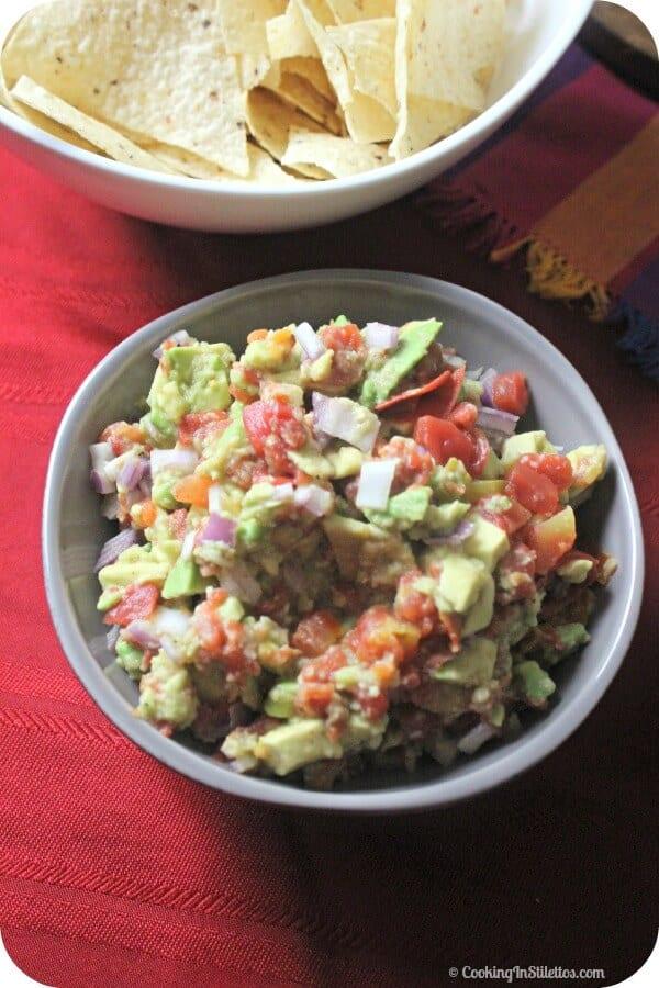 RO*TEL's Rockin' Guac -Perfect for Cinco de Mayo | Cooking In Stilettos