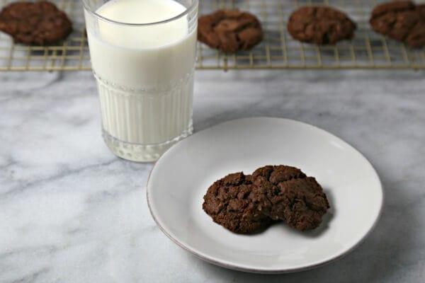 Dark Chocolate Oatmeal Cookies | Cooking In Stilettos