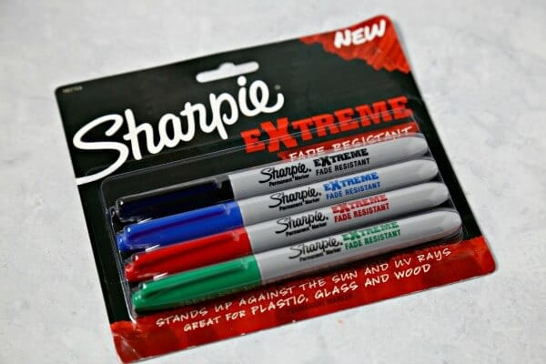 Holiday Box - Sharpie Extreme Markers | CookingInStilettos.com