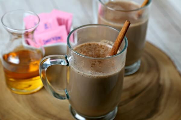Skinny Homemade Hot Chocolate | CookingInStilettos.com
