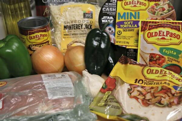 Chicken Fajita Queso Fundido - Ingredients   CookingInStilettos.com