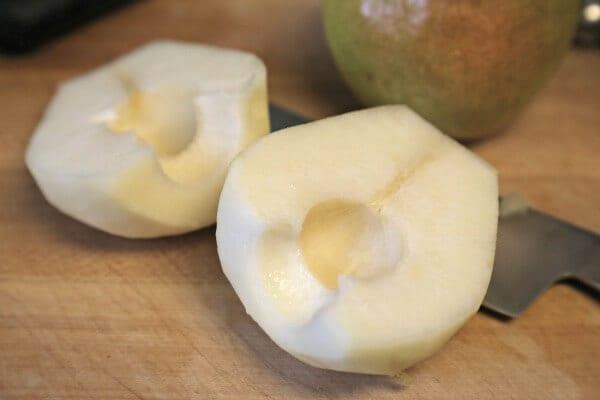 Cinna-Pear Smoothie - Pears | CookingInStilettos.com