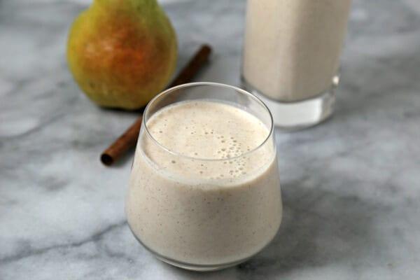 Cinna-Pear Smoothie | CookingInStilettos.com
