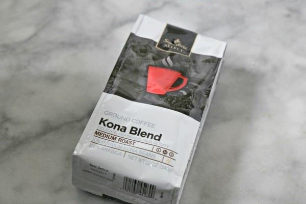 Oven Baked Chicken with Kona Coffee Barbecue Sauce - Kona Coffee   CookingInStilettos.com