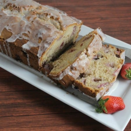 Springing Forward with Strawberries and Cream Bread and a Giveaway #ExtraSweetCreamyCGC
