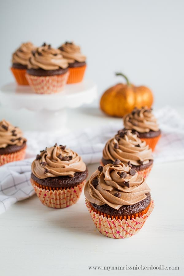 Delicious Dishes Recipe Party - Pumpkin Recipes - Chocolate Pumpkin Cupcakes with nutella Buttercream Frosting from Lolly Jane | CookingInStilettos.com