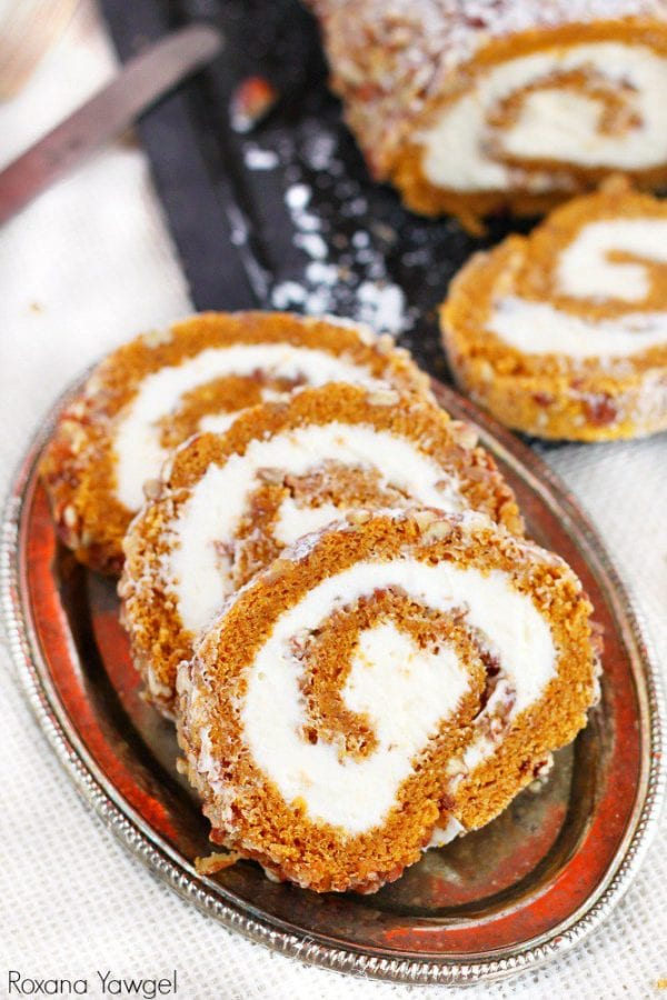 Delicious Dishes Recipe Party - Pumpkin Recipes - Pumpkin Roll Recipe from Cupcakes and Kale Chips | CookingInStilettos.com