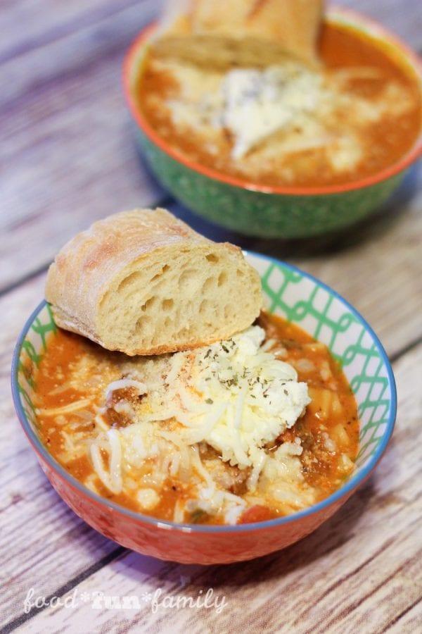 Delicious Dishes Recipe Party - Apple Recipes - Easy Lasagna Soup | CookingInStilettos.com