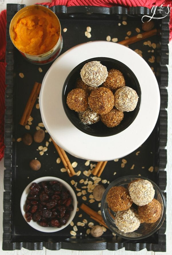 Delicious Dishes Recipe Party - Pumpkin Recipes - Pumpkin Bites from Grounded and Surrounded | CookingInStilettos.com