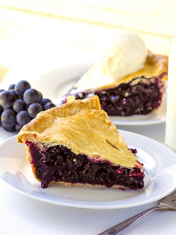 Delicious Dishes Recipe Party - Pie Recipes - Concord Grape Pie from Cookie Dough and Oven Mitt | CookingInStilettos.com