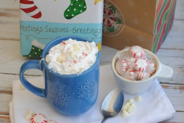 Delicious Dishes Recipe Party - Christmas Breakfast Recipes - Christmas Morning Coffee from This Mama Loves | CookingInStilettos.com
