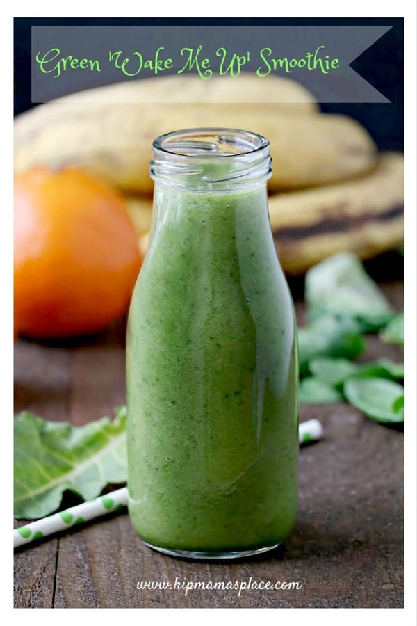 Delicious Dishes Recipe Party - Light and Healthy Recipes - Green Wake Me Up Smoothie from Hip Mama's Place | CookingInStilettos.com