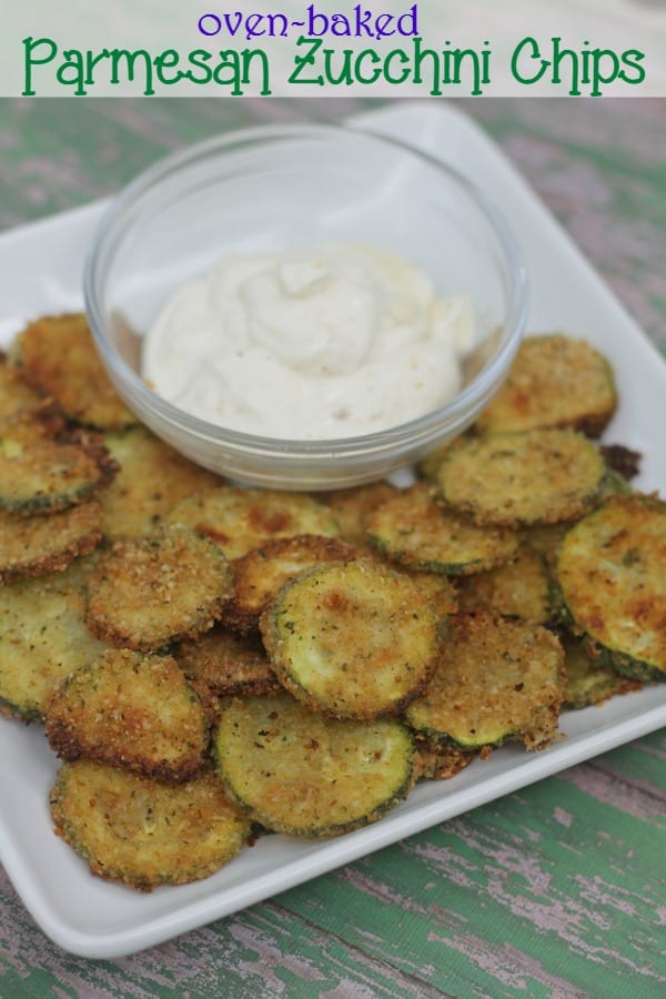 Delicious Dishes Recipe Party - Our Favorite Recipes of 2016 - Oven Baked Parmesan Zucchini Chips from This Mama Loves   CookingInStilettos.com