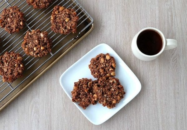 Delicious Dishes Recipe Party - Breakfast Recipes - Chocolate Macadamia Nut Healthy Breakfast Cookies from Hello Creative Family | CookingInStilettos.com