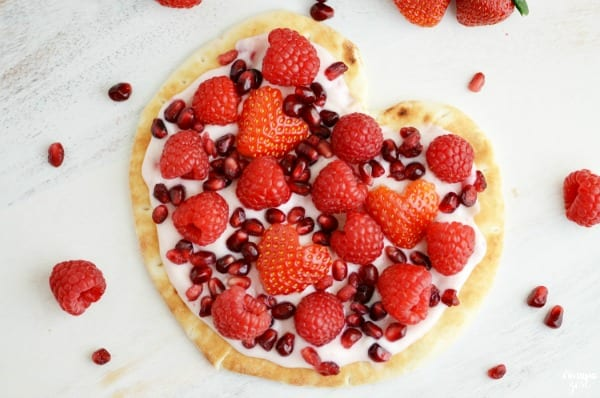 Delicious Dishes Recipe Party - Berry Recipes - Fruit and Yogurt Flatbread Pizza Heart from Finding Zest | CookingInStilettos.com