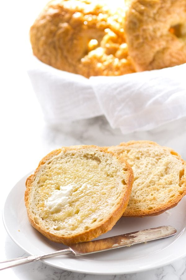 Delicious Dishes Recipe Party - Breakfast Recipes - Homemade Bagels from Cookie Dough and Oven Mitt | CookingInStilettos.com