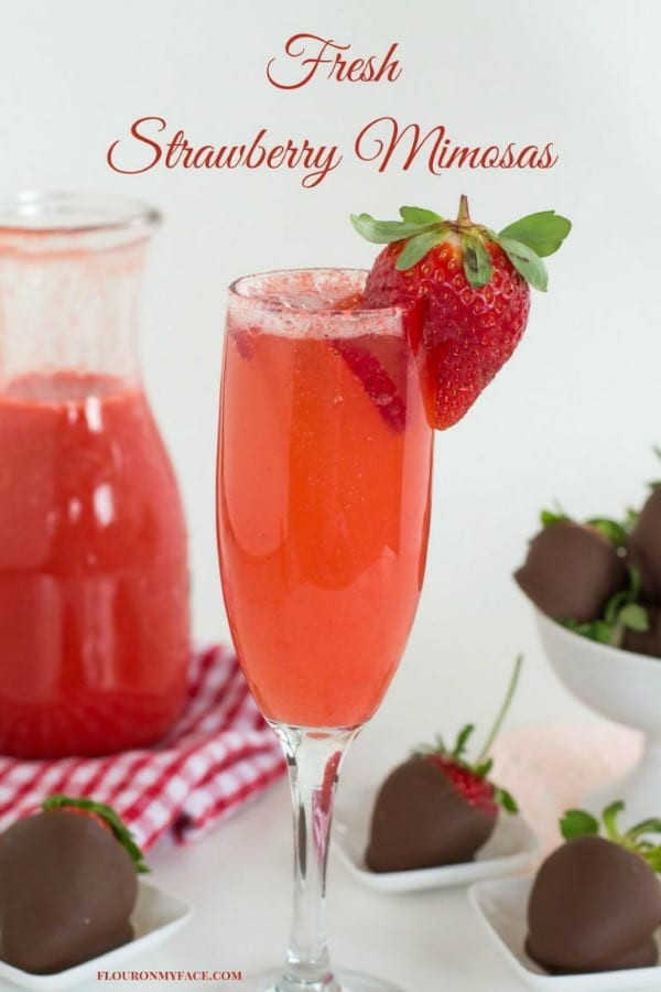 Delicious Dishes Recipe Party - Berry Recipes - Strawberry Mimosas from Flour on My Face | CookingInStilettos.com