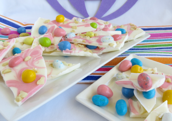 Delicious Dishes Recipe Party - Easter Desserts - Macadamia Nut Easter Candy Bark from Woman of Many Roles | CookingInStilettos.com