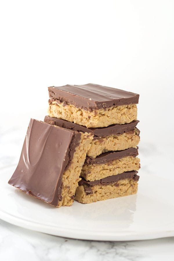 Delicious Dishes Recipe Party - Favorite Cookies and Bars - No Bake Peanut Butter Potato Chip Bars from Cookie Dough and Oven Mitt | CookingInStilettos.com