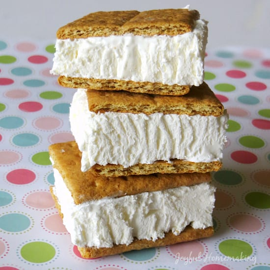 Delicious Dishes Recipe Party - Frozen Treats - Cool Whip Graham Cracker Sandwiches from Joyful Homemaking | CookingInStilettos.com