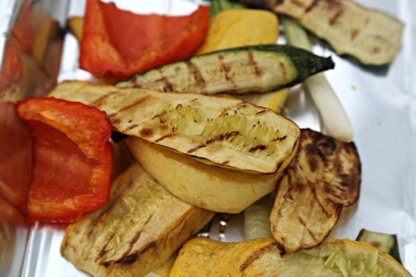 Garlicky Grilled Veggie Mini Tarts - Hot off the grill | CookingInStilettos.com